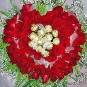 88 Red Roses With 11 Ferrero Rocher Chocolates handBouquet
