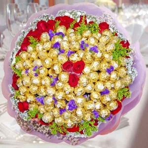 99 Ferrero Rocher 38 Red Roses Handbouquet With Baby's Breath