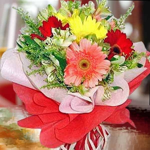 6 Mixed Gerbera Handbouquet