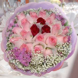3 Red 21 Peach Roses Handbouquet