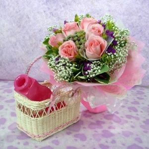 6 Peach Roses with Babybreath. (Basket/Vase not included)