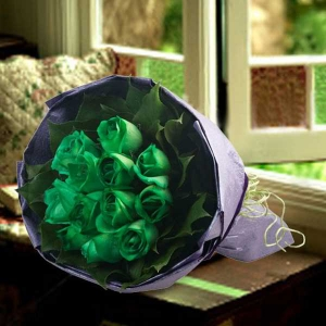 12 Green Roses Hand Bouquet( 1 Days advance order )