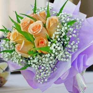 12 Champagne Roses Posy
