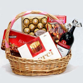 Red Wine & Mixed Chocolate In Basket