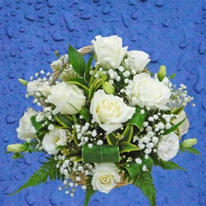 12 White Roses Table Arrangement