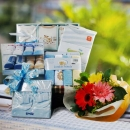 Baby Boy Gift Set With Flowers Delivery BB103