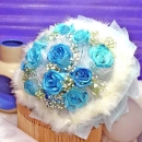 12 Blue Roses Handbouquet (Snow White)