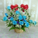 18 Blue Roses Table Arrangement with 2 Heart-Shape Balloons