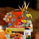 Moon Cake 8 Pcs, Chinese Tea & Flowers Gift Basket