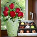 Red Roses Standing Bouquet With Gourmet (Fresh) Chocolate