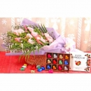 12 Peach RosesHandbouquet With Heart-Shape Chocolate